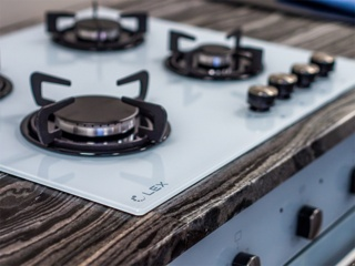 Газовая варочная панель и электрическая духовка: собираем комплект